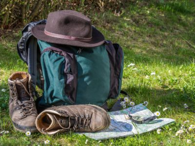 Hiking boots and backpack, Pixabay