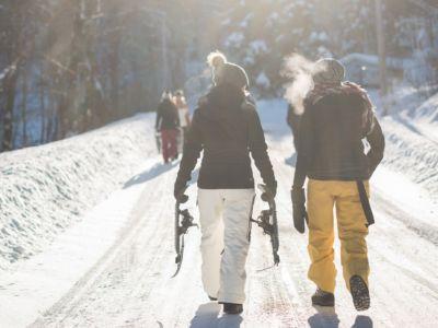 Winter hiking, unplash
